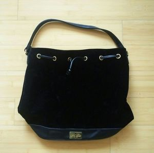-Like New- Carolina Herrera Good Girl Bucket Bag